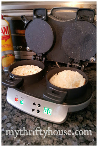 breakfast sandwich maker with bread