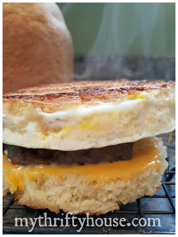 Breakfast sandwich bread