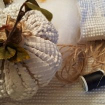 chenille-pumpkins-with-thread-and-twine