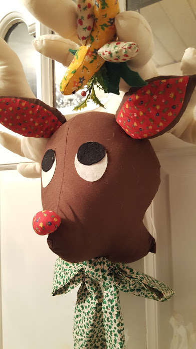 my-thirfty-house-christmas-house-tour-reindeer