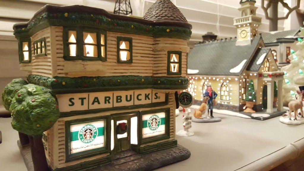 my-thirfty-house-christmas-house-tour-starbucks-village