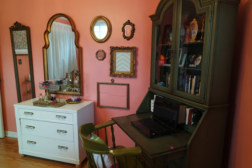 teenage girl bedroom makeover gallery wall
