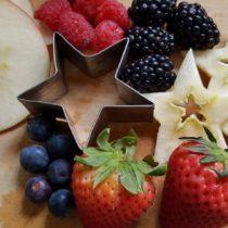 mixed berry sangria ingredients