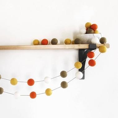Inexpensive fall decor - Etsy - felt ball garland