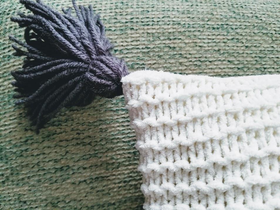 How to make a DIY tassel pillows